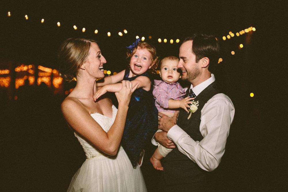 Best_Nashville_Wedding_Photographers_-73.jpg