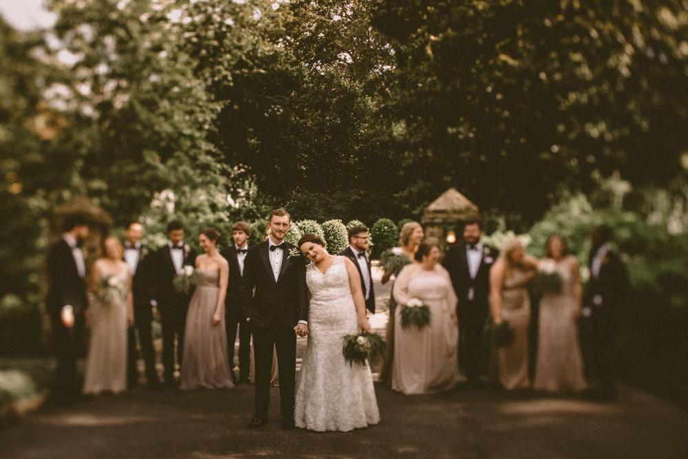 Best_Nashville_Wedding_Photographers_-24.jpg