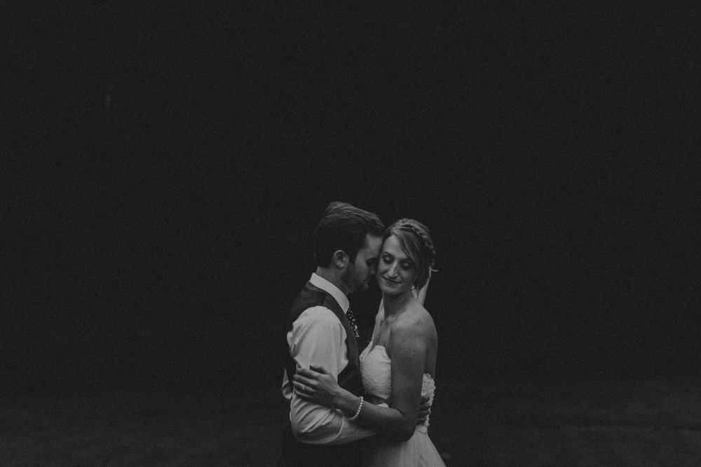 Best_Nashville_Wedding_Photographers_-71.jpg