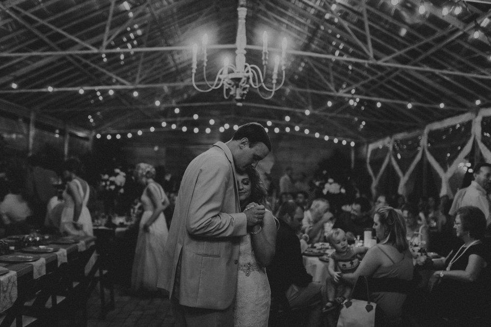 Best_Nashville_Wedding_Photographers_-55.jpg