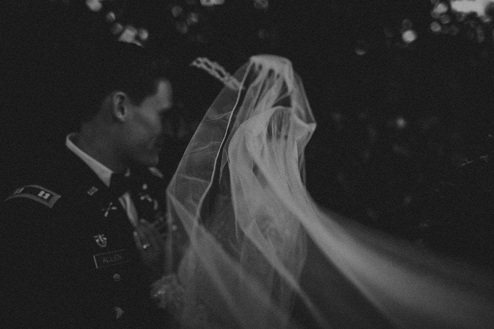 Best_Nashville_Wedding_Photographers_-117.jpg