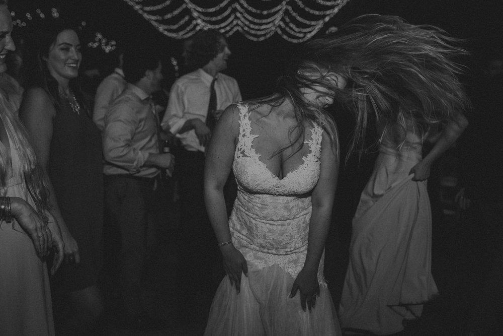 Best_Nashville_Wedding_Photographers_-83.jpg