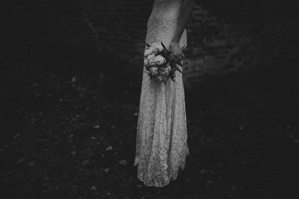 Moody_bridal_portraits-8.jpg