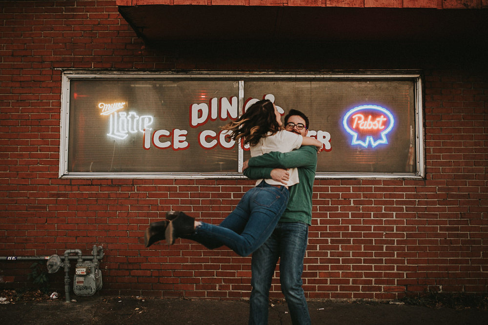 east-nashville-engagement-session--19.jpg