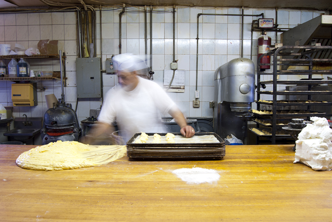 Baker at work at La Gloria