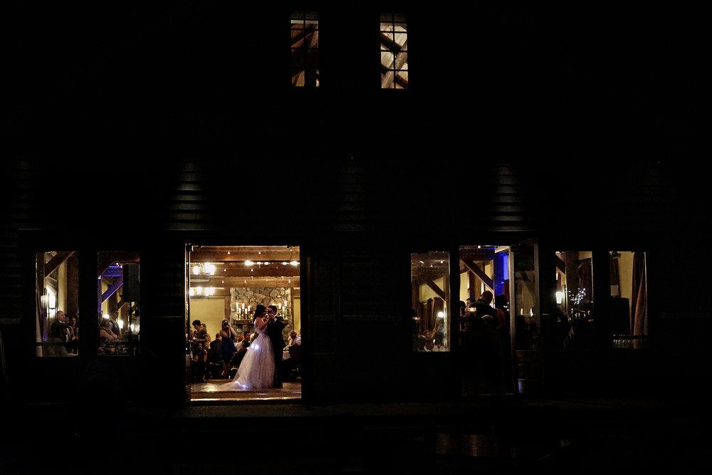 cindy-moleski-professional-wedding-photographer-saskatoon-saskatchewan-canmore-alberta-29037-8697.jpg