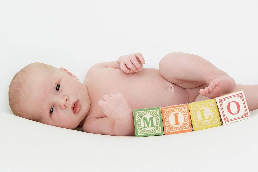cindy-moleski-professional-baby-newborn-photographer-saskatoon-saskatchewan-9440-29152.jpg