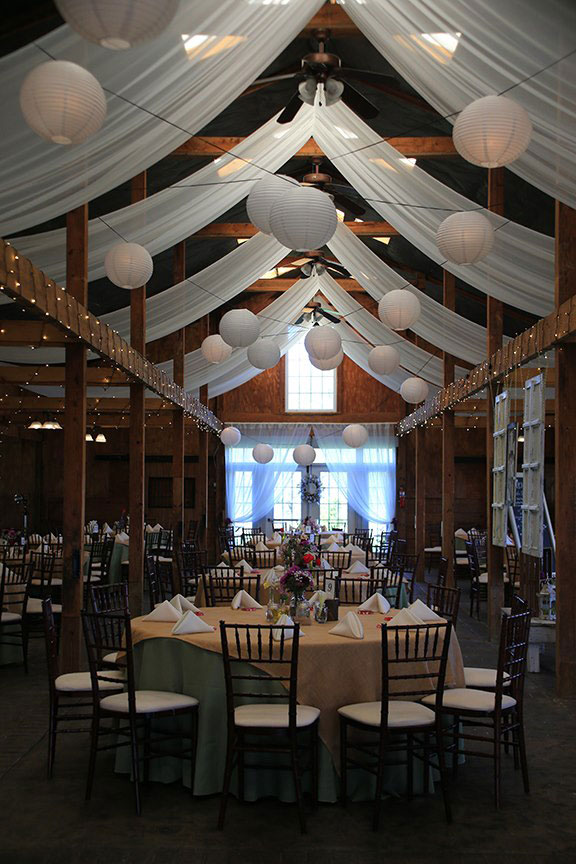 Bluemont Vineyard Room Photo