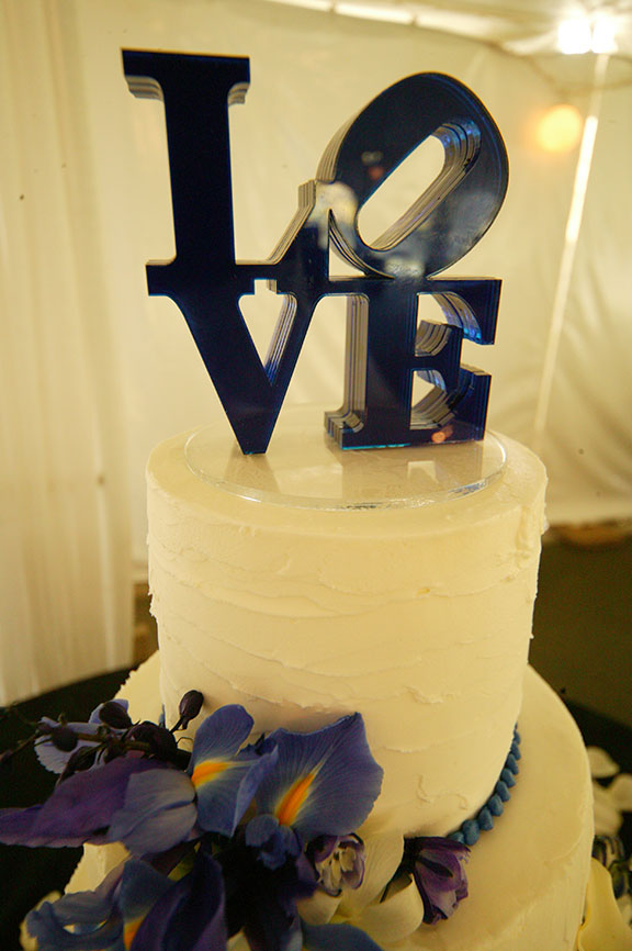 Stone Manor Country Club Wedding Cake Photo