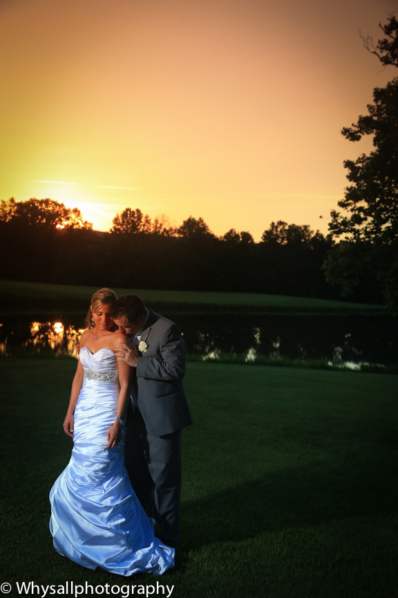 bride grom bull run golf course at sunset