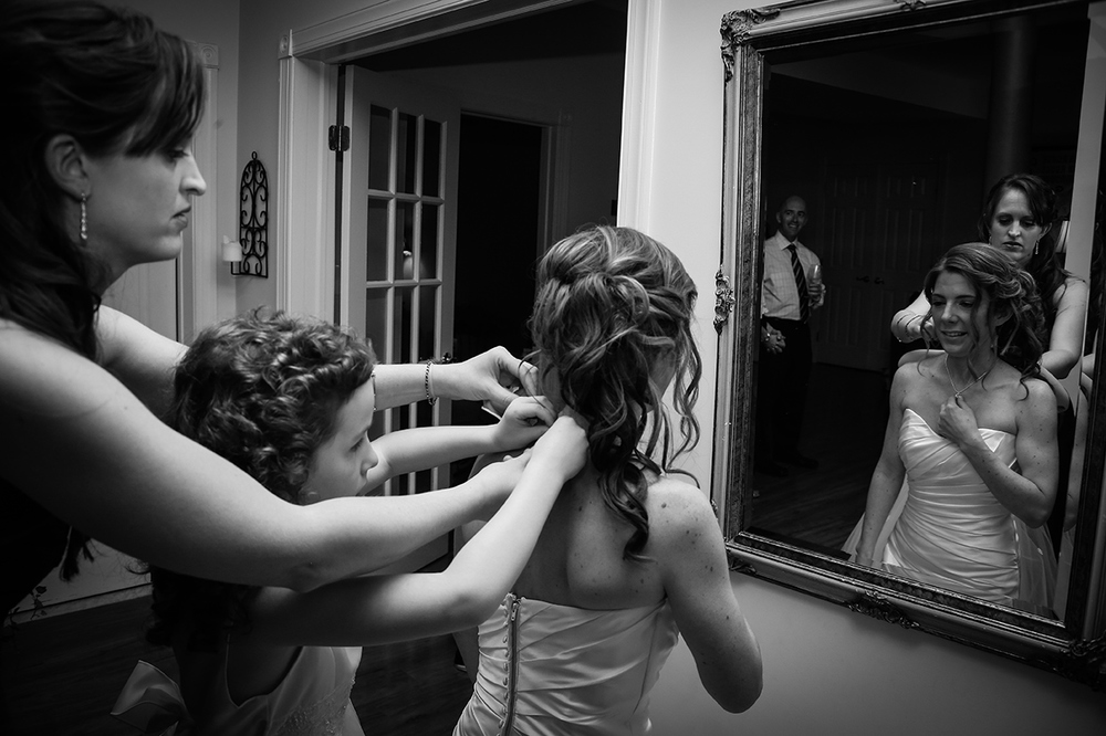 868 bride gettingready