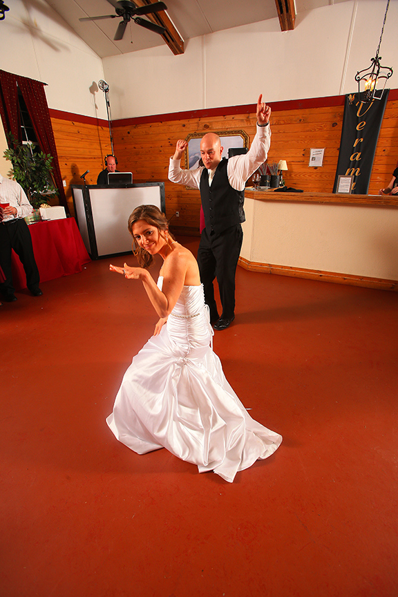 868-bride-groom-dancing-reception