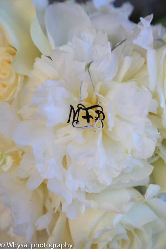 bull run wedding detail