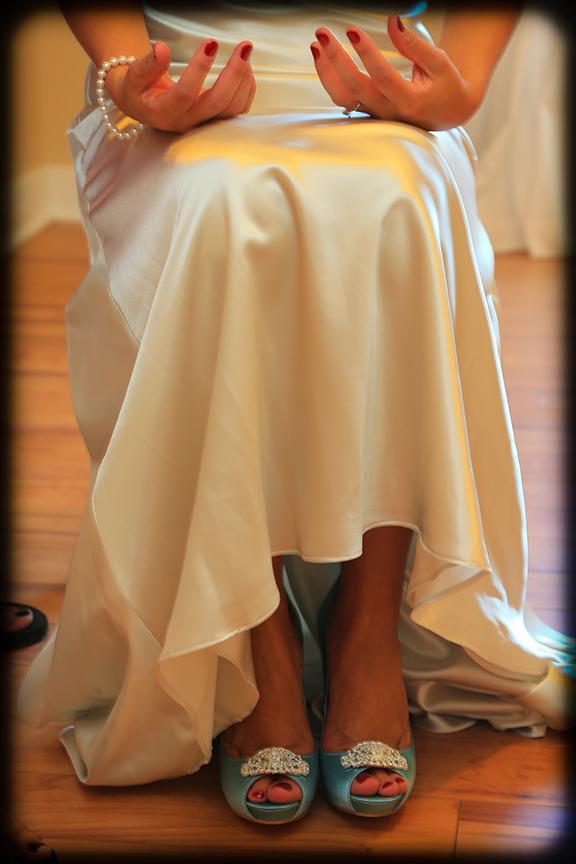 868 estates bride getting ready photo