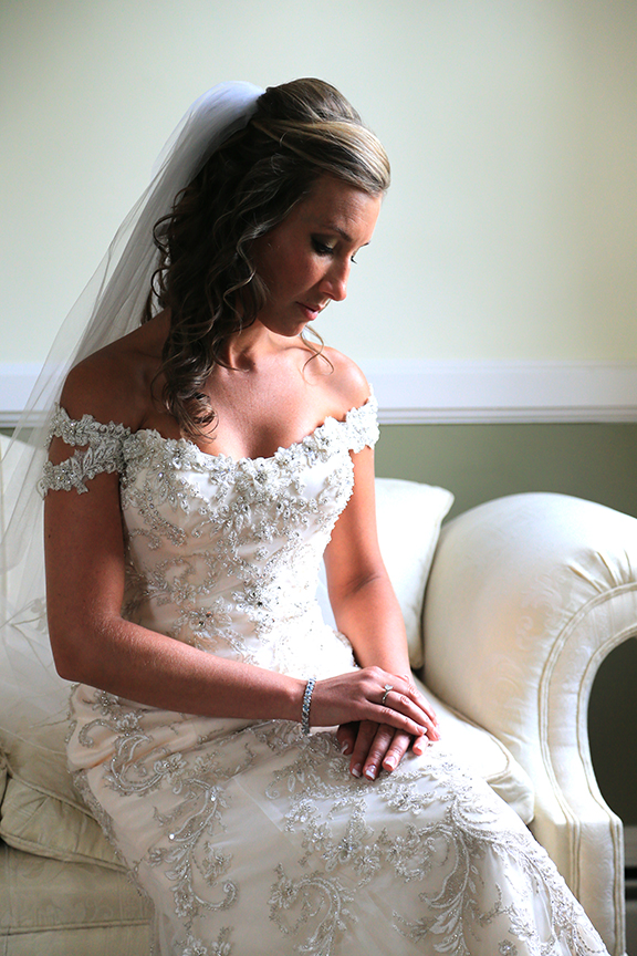 Bridal Portrait on sofa| Chesapeake City Wedding | Frederick Wedding Photographer
