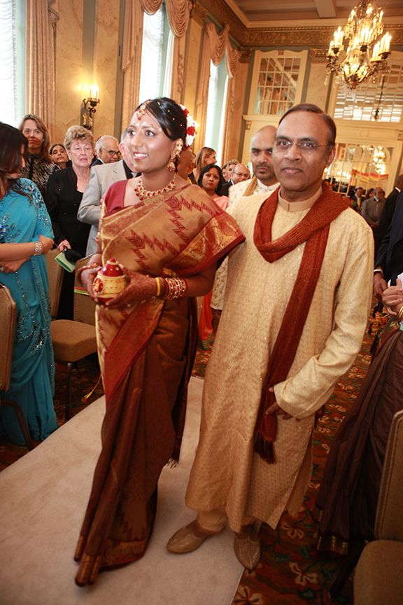 father-walking-bride-indian-wedddfing.jpg