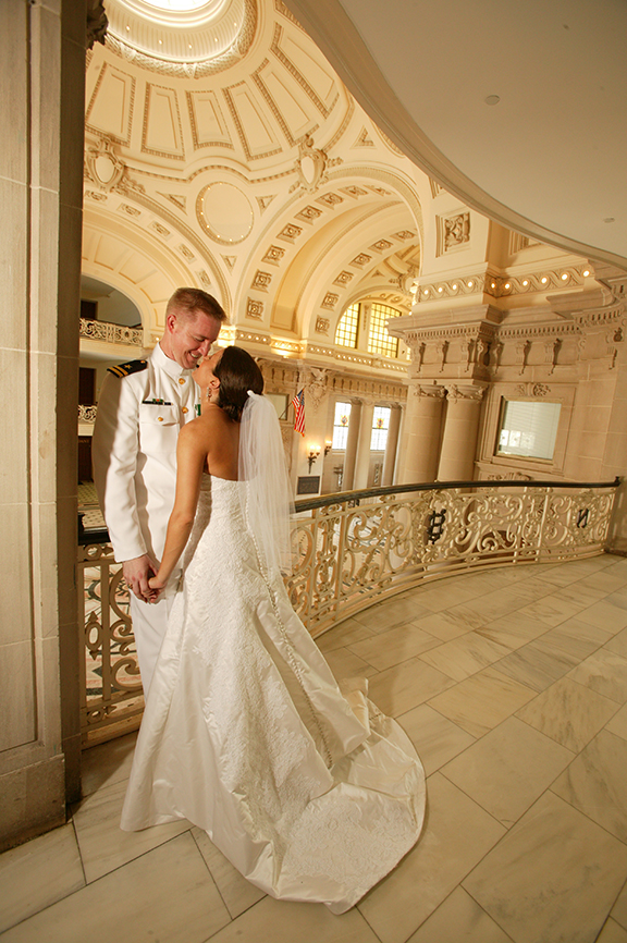 Photo Bride and Groom in Annapolis Naval Academy