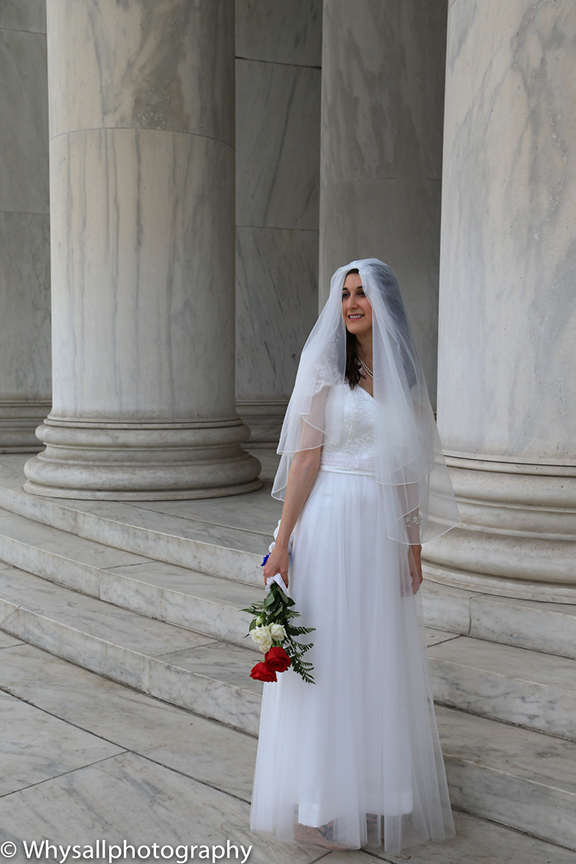 bride portrait Jefferson Memorial