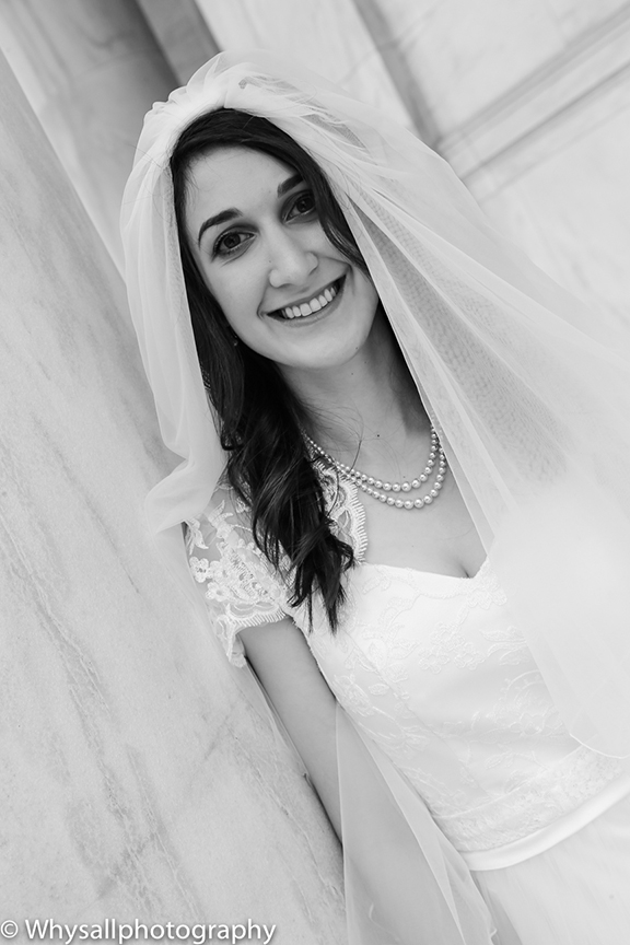 BW Bridal Portrait Jefferson memorial