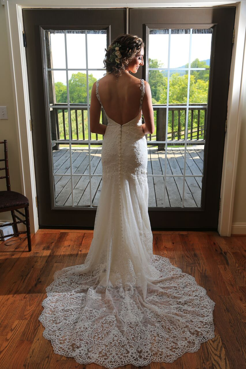 back-wedding-dress-bluemont-vineyard.jpeg