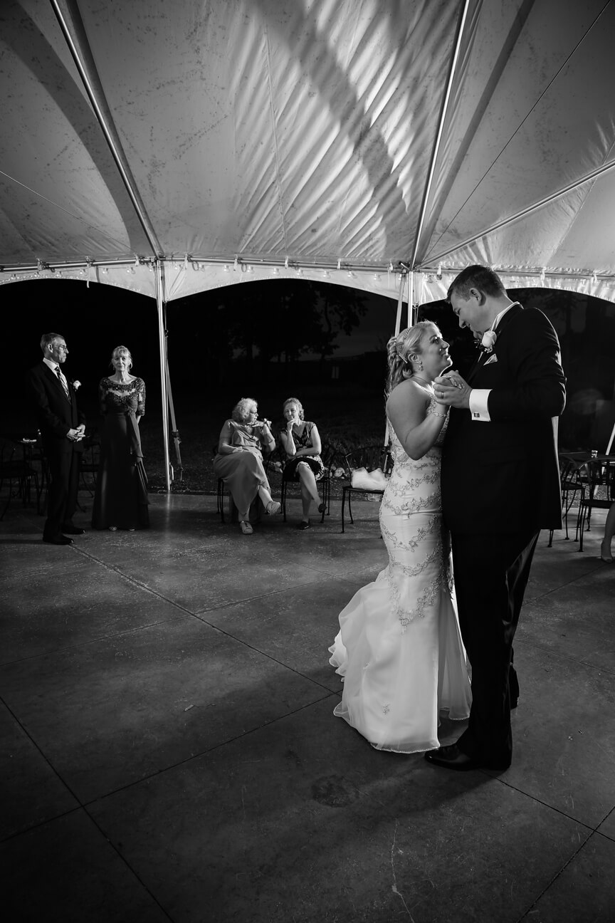 cana-winer-bride-groom-dancing-bw.jpg
