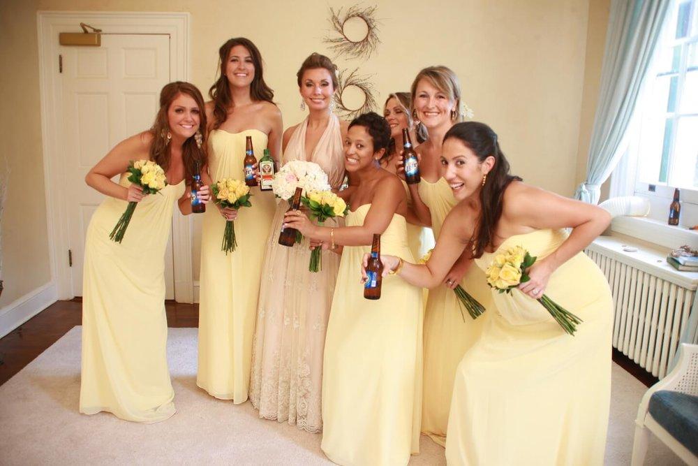 rust-manor-bridesmaids-having-fun.JPG
