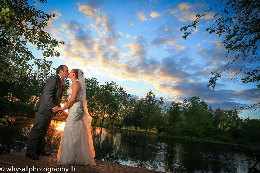 Wedding+Photo+Bride+and+Groom+at+Sunset.jpeg