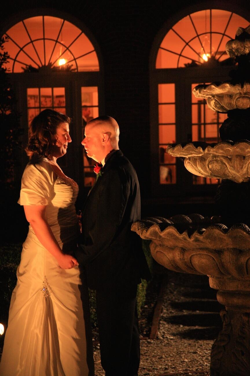 a-christmas-wedding-bride-groom-sunset2.jpg