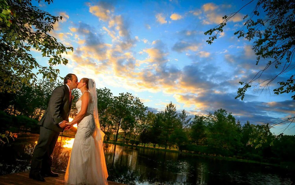 6bride-groom-sunset-detour-winery-2.jpg