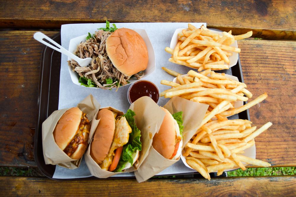 Bubba's Burgers Kauai | Birdie Shoots Vacation Diary