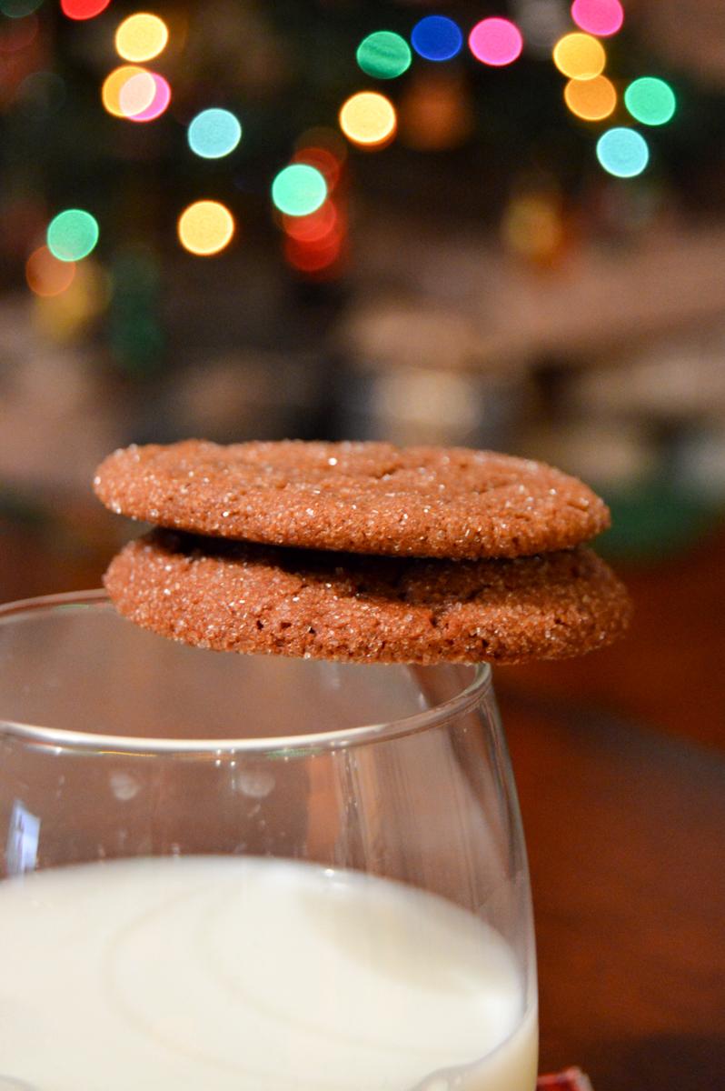 Gingerbread Cookies via. Birdie Shoots