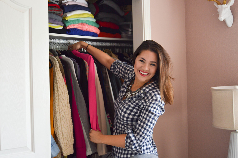 Your guide to the perfect closet clean out via. Birdie Shoots
