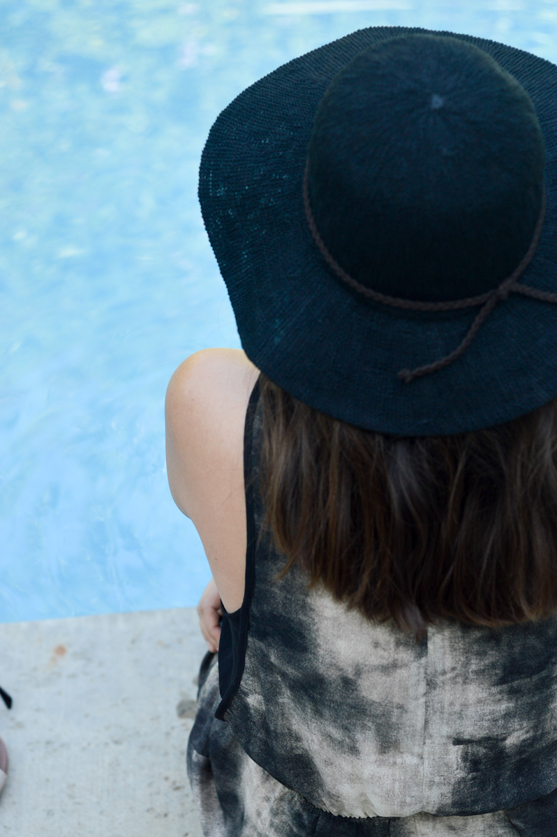 Poolside Summer Attire via. Birdie Shoots