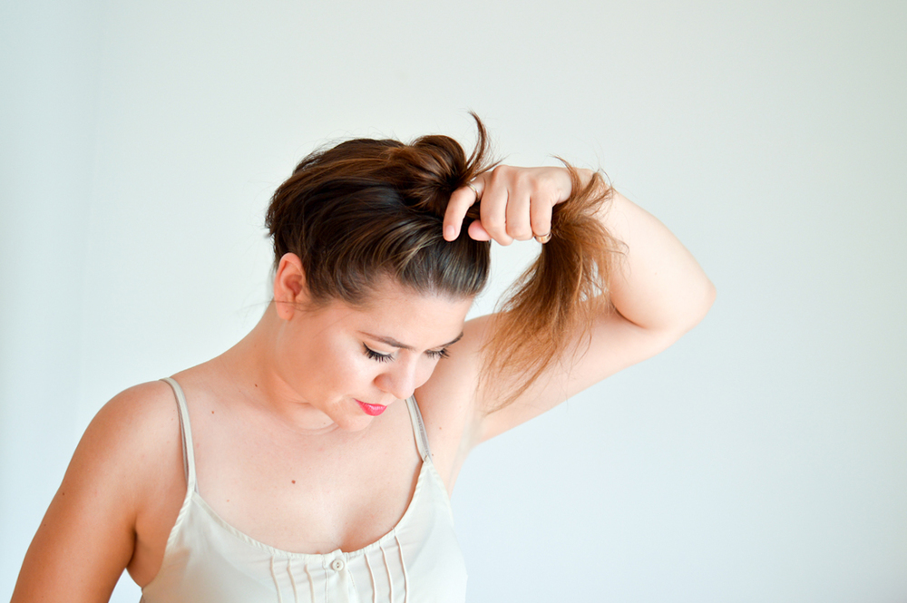 Messy Bun Tutorial via. Birdie Shoots
