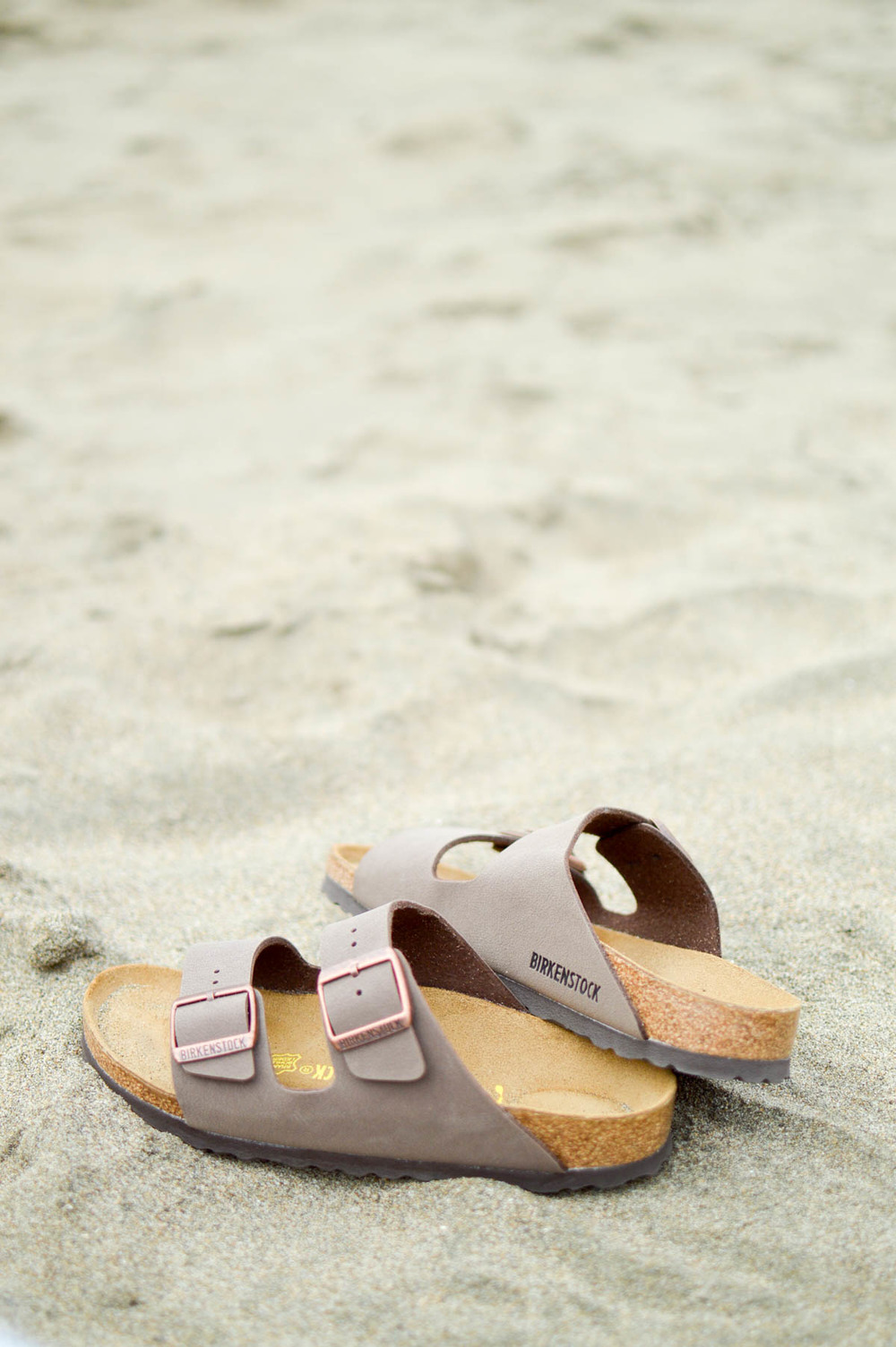 Beach Weekend Style Birkenstock via. www.birdieshoots.com