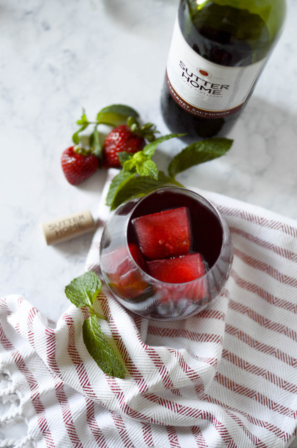 Strawberry Mint Wine Cocktail via. www.birdieshoots.com