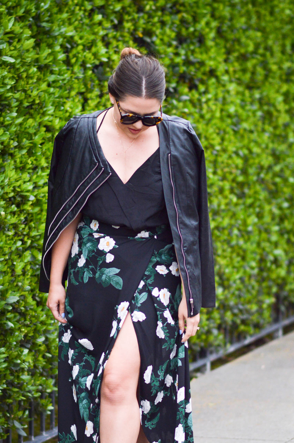 Date Night Florals outfit via. www.birdieshoots.com