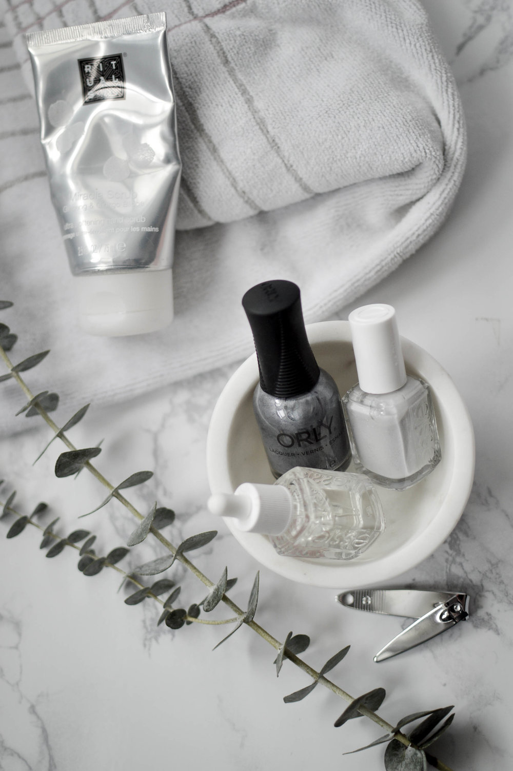 Winter Nail Care via. www.birdieshoots.com