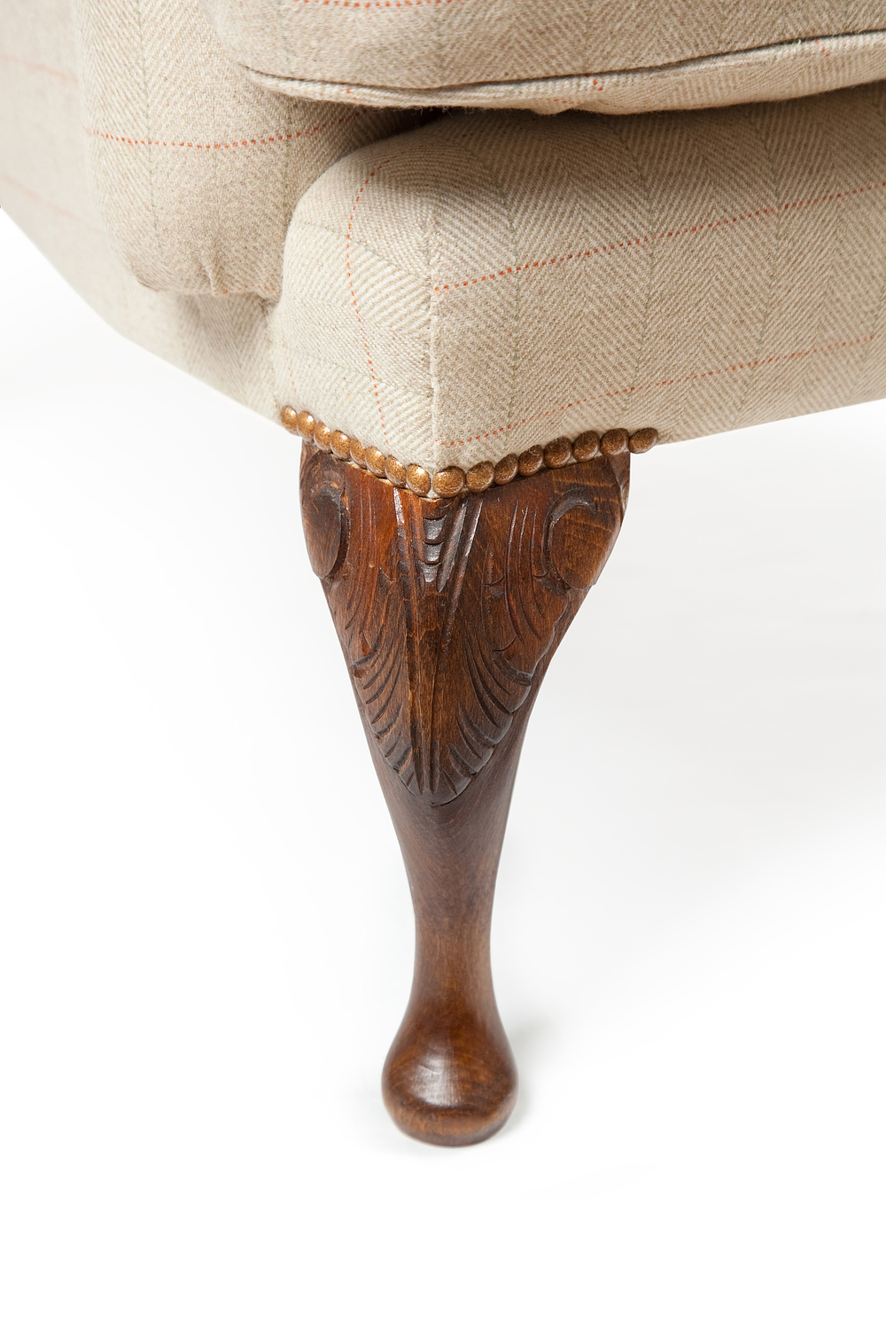 Hand-carved acanthus leaf legs French polished and waxed