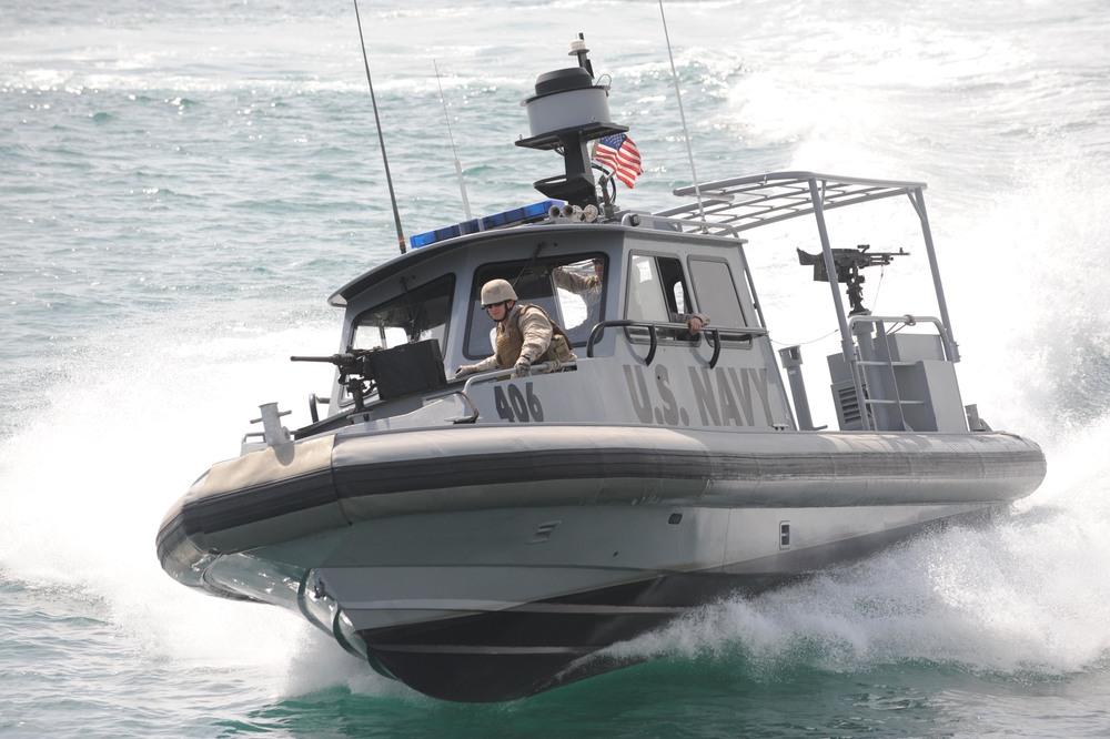 US_Navy_090905-N-1452H-.jpg