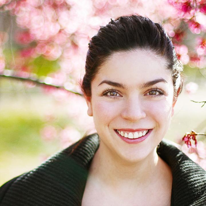 Colorfol Headshot of NYC actress