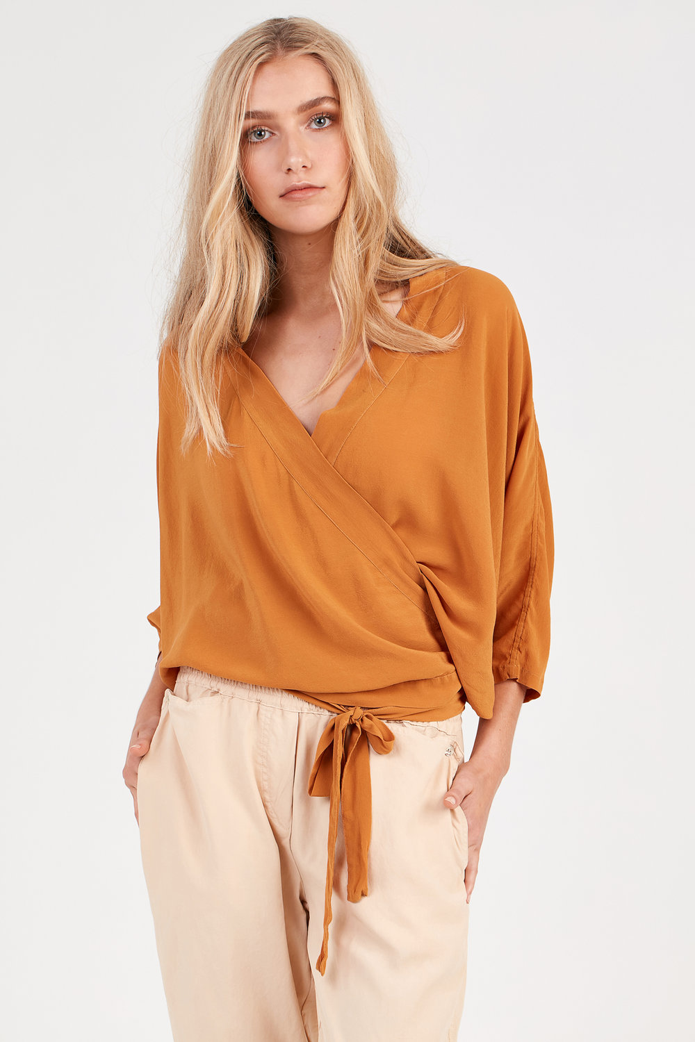 FLUTED TOP RUST. KUL PANT FAWN
