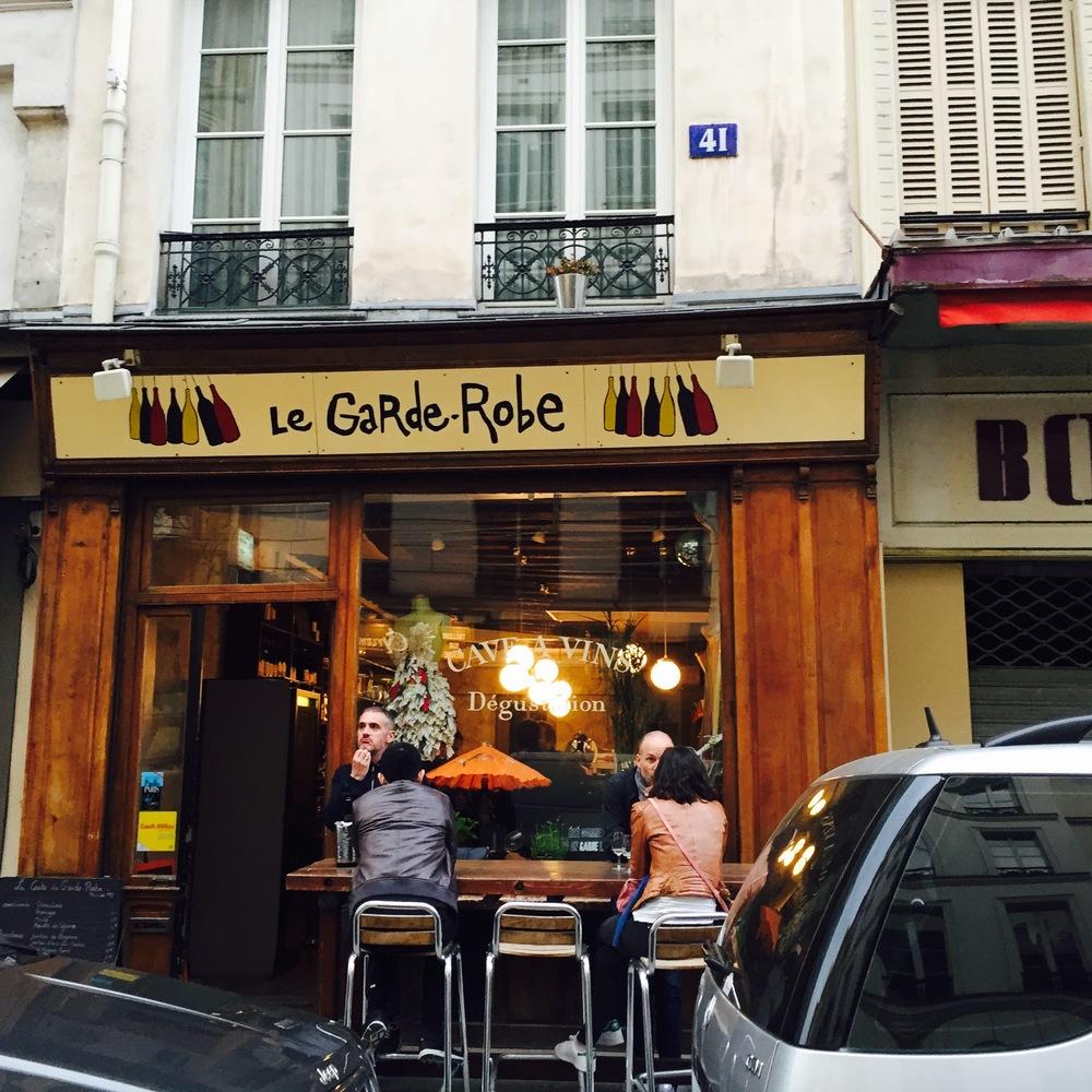 """Wijnbar """"Le Garde Robe""""   41 Rue de l'Arbre Sec"""
