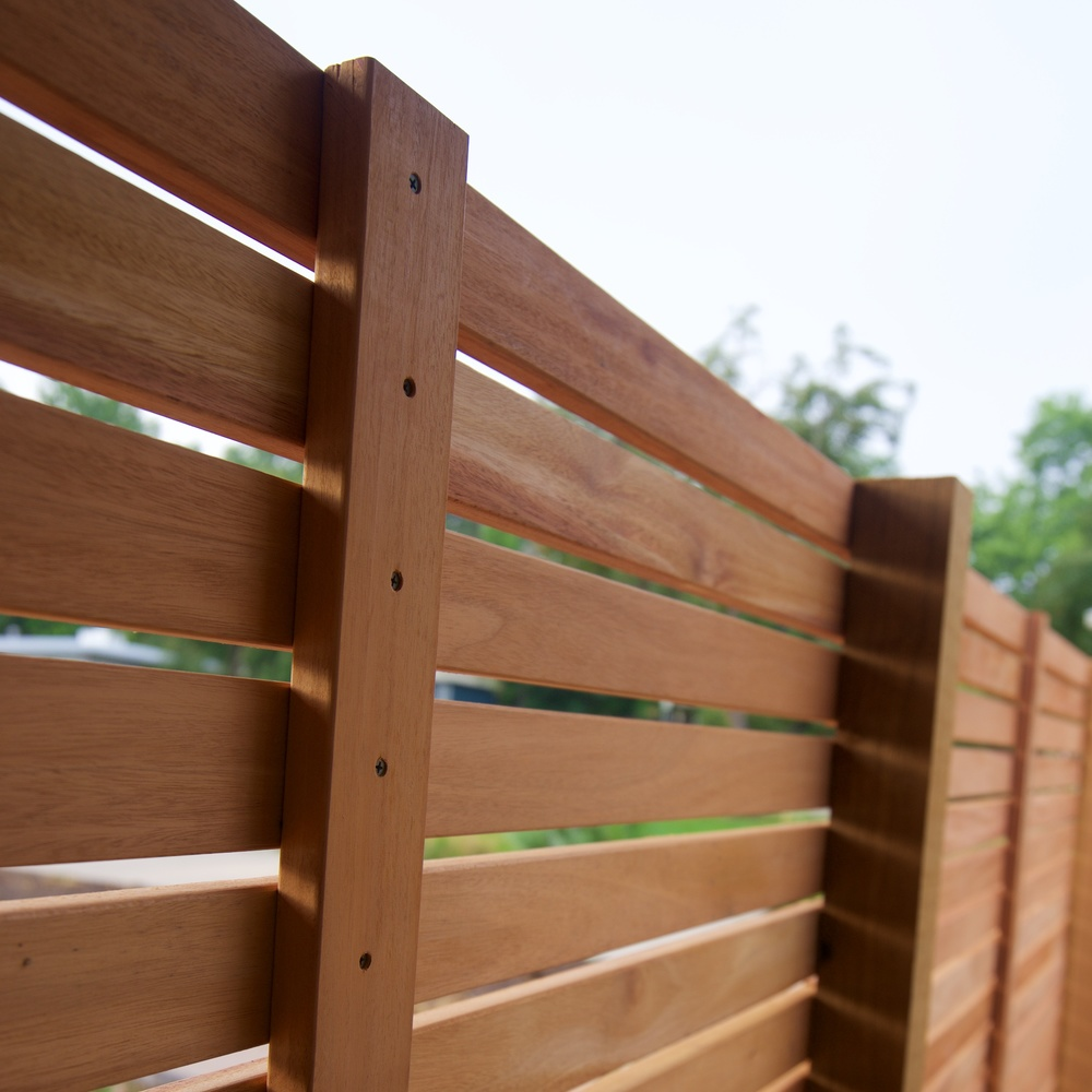 Detail at front patio - stiffener mid-span to keep the slats from warping