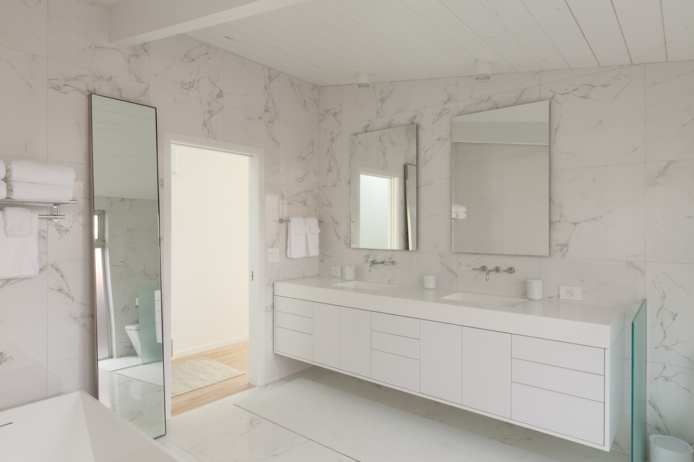 34_French-Meyers-Finished-master_bath-2_2048px_Long.jpg