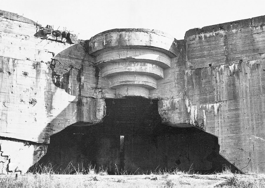 WWII Bunker in Dover.    The Frightening Beauty of Bunkers