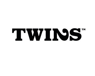 Had some funny twin moments recently.  I never get bored of being a twin.    FFFFOUND! | 35 Stunning Black And White Logos | Siah Design
