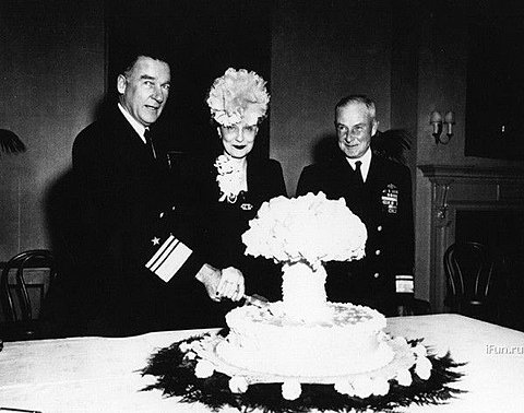 What the hell are these guys celebrating with this mushroom cloud cake - I guess something  like this ?    FFFFOUND!