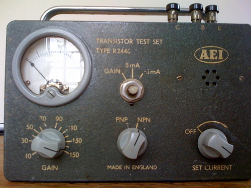 AEI Transistor Test Set (via corkyburger)