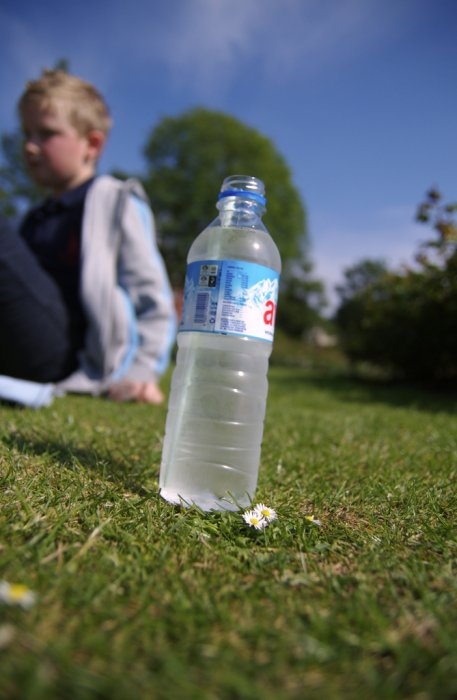 After school treat:  water and flapjack in Preston park (via  tumblr - maxcady808's Tagged Photos )